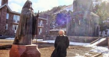 Fr.Vazken_Armenia